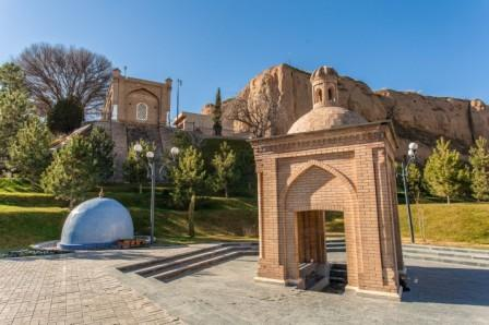 Mausoleo di Khodja Daniyar
